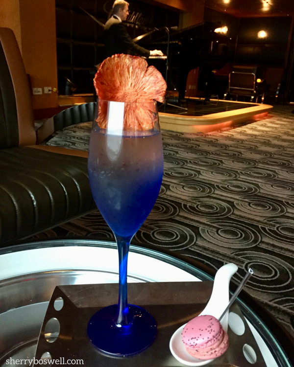 Alaska cruise tips include learning to live the lounge life.